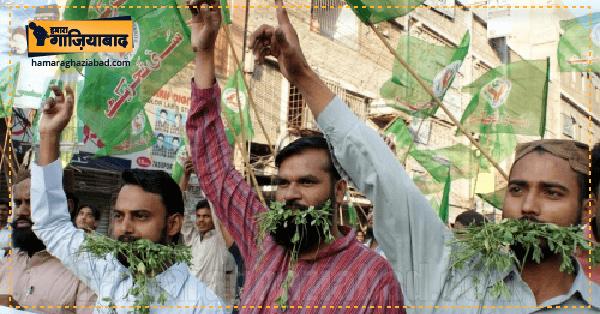 भारत-पाक व्यापार बंद होने से घबराए पाकिस्तानी, कहा इमरान क्या घास खिलाना चाहते हैं ?