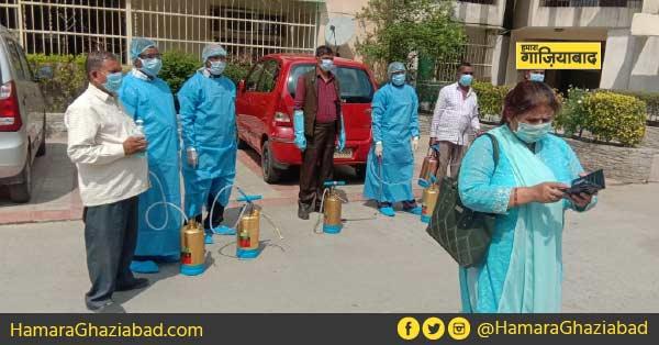 गाज़ियाबाद – राजनगर एक्सटेंशन में आए कोरोना वायरस के दो मामले, प्रशासन ने कराया सोसायटी को संक्रमण रहित