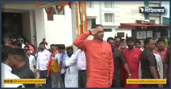 उद्धव ठाकरे पहुंचे अयोध्या और राम मंदिर के लिए दिए 1 करोड़ रुपए