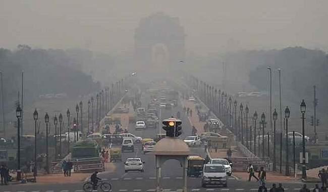 सर्दी की आहट के साथ लगातार खराब हो रही है दिल्ली की हवा, कई इलाकों में प्रदूषण का स्तर बेहद खराब