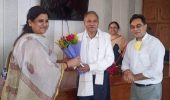 यूपीसीडा की सहायक महप्रबन्धक डॉ स्मिता सिंह ने दानी उद्यमियों की भूरी भूरी प्रशंसा की।