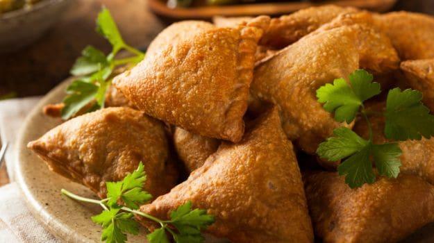 नवरात्रि स्पेशल रेसिपी:कुट्टू के आटे का डोसा और सिंघाड़े के आटे का समोसा, नवरात्रि के तीसरे दिन स्वाद के साथ देंगे पोषण