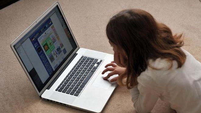यह देखना और वह देखना:मोबाइल या कंप्यूटर का उपयोग कितना घातक है बच्चों के लिए? क्या हैं इसके उपाय