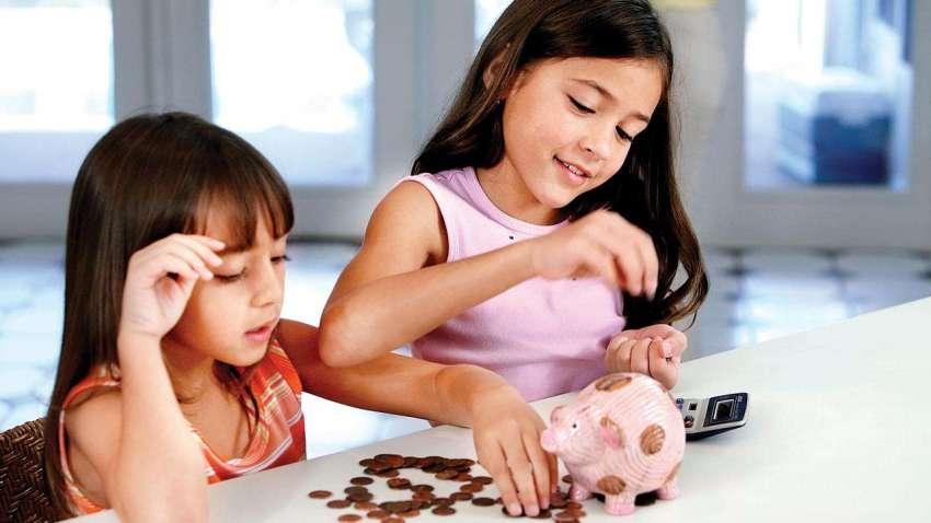 बच्चों से करें कमाई, बचत और निवेश की बातें; जानें फाइनेंशियल प्लानिंग के लिहाज से कैसे अहम है ये बात