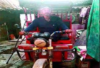 क्रिकेट की पिच पर जीते पर सिस्टम हार गए यूपी पैरा क्रिकेट टीम के कप्तान राजाबाबू, गाजियाबाद में चला रहे ई-रिक्शा