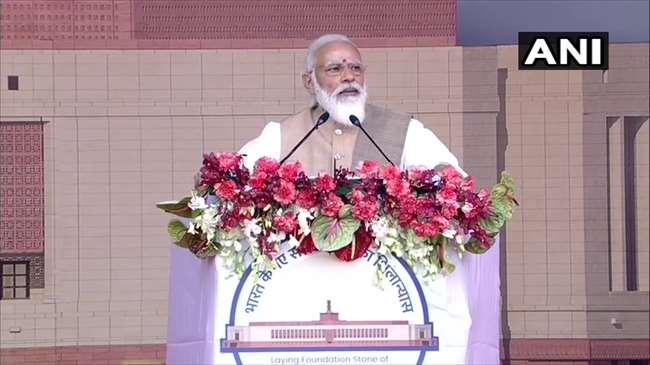 Happy New Year 2021: पीएम मोदी समेत अन्य नेताओं ने दी नए साल की शुभकामनाएं, जानें- किसने क्या कहा