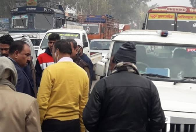 मुरादनगर हादसे की जांच कर रही एसआईटी टीम की गाड़ी हादसे का शिकार, रोडवेज बस ने मारी टक्कर