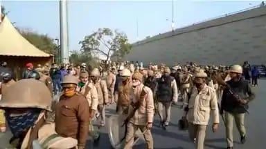 आज खत्म हो जाएगा किसान आंदोलन और गाजीपुर बॉर्डर होगा खाली? पुलिस और अर्धसैनिक बलों ने संभाला मोर्चा,गाजियाबाद के डीएम और एसएसपी भी यूपी गेट पर पहुंचे
