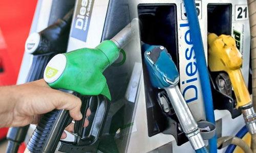 29 के पेट्रोल पर 53 रुपये टैक्स, डीजल का बेस प्राइस सिर्फ 30.55 रुपये लीटर