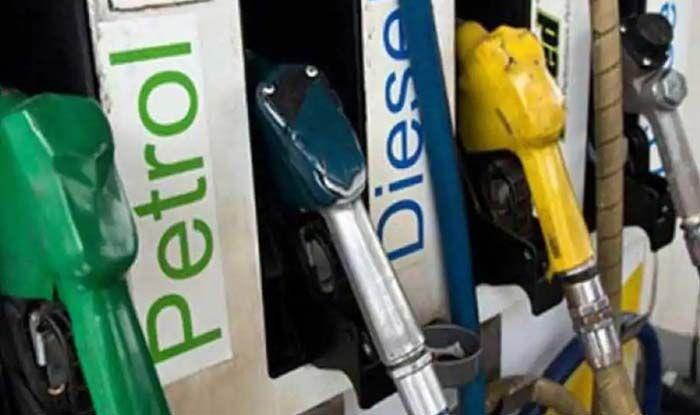Explained: जानिए जो पेट्रोल-डीजल सरकार करीब 100 रुपए में बेच रही है, उसकी असली कीमत क्या है