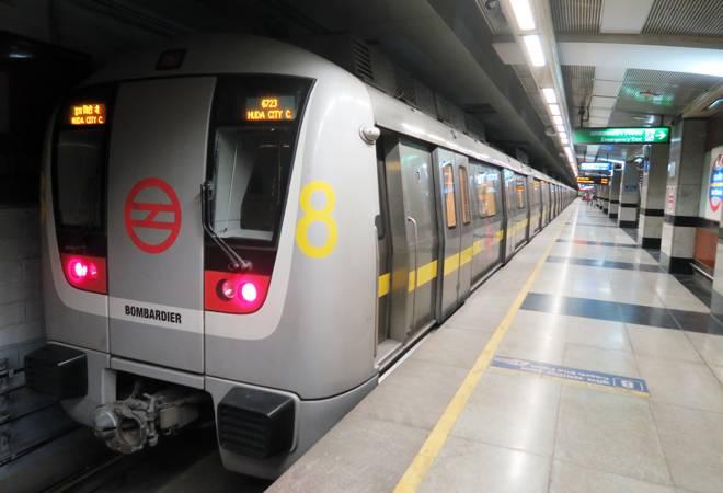 मेट्रो: एक्वा लाइन पर सोमवार से 'फास्ट ट्रेन' की सुविधा शुरू,10 स्टेशनों पर नहीं रुकेगी ट्रेन