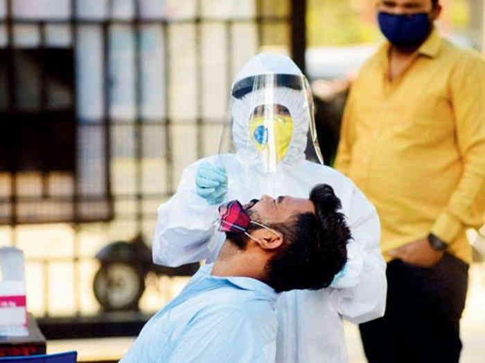 भारत में कोरोनावायरस के नए केसों में 17 फीसदी गिरावट, पिछले 24 घंटे में दर्ज हुए 56,211 नए COVID-19 केस