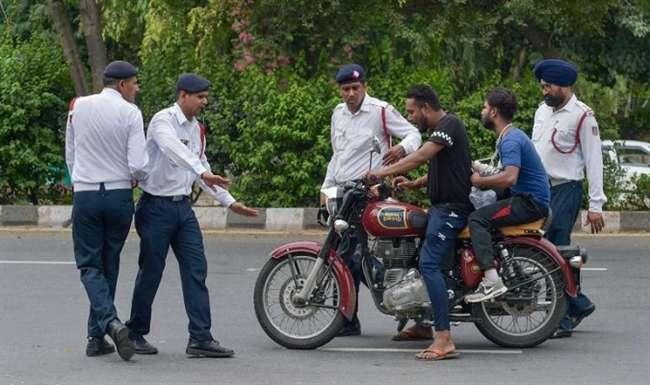 Traffic Challan: दिल्ली के 31 चौराहों पर होने जा रहा होली के बाद बदलाव, हर गलती पर देना होगा जुर्माना