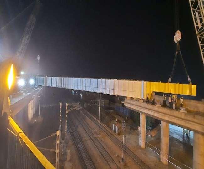 गाजियाबाद,एशिया के सबसे बड़े चिपियाना आरओबी निर्माण के लिए पहला गार्डर लॉन्च, 155 लोकल व एक्सप्रेस ट्रेनों का संचालन प्रभावित