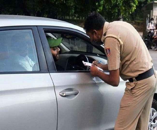 Coronavirus News Update: दिल्ली HC का अहम आदेश, बंद कार में अकेले हों तो भी मास्क लगाना जरूरी