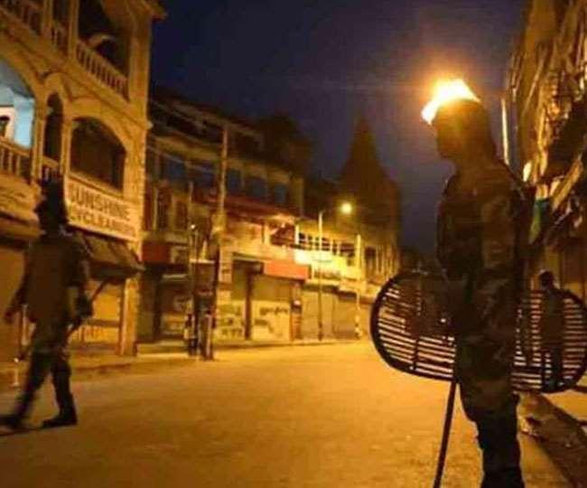 Night Curfew In UP:गाजियाबाद समेत 10 जिलों में बदला नाइट कर्फ्यू का समय, मुख्यमंत्री योगी आदित्यनाथ ने तत्काल लागू करने को दिए आदेश