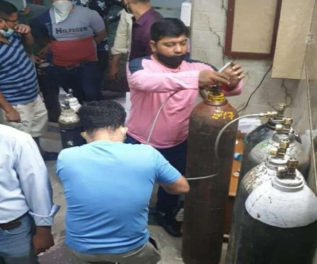 Covid-19: पुरानी दिल्ली के युवाओं के प्रयासों से बची 700 लोगों की जान, जोखिम में जान डालकर कर रहे मदद