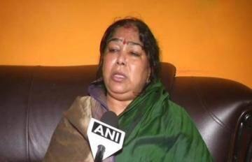 यूपी पंचायत चुनावः भाजपा ने रेप के दोषी कुलदीप सिंह सेंगर की पत्नी को दिया टिकट
