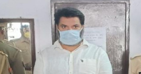 नोएडा पुलिस और क्राइम ब्रांच ने REMDESIVIR INJECTION की कालाबाजारी करने वाला दबोचा, 80 हजार रुपए में करता था कोरोना मरीजों से सौदा