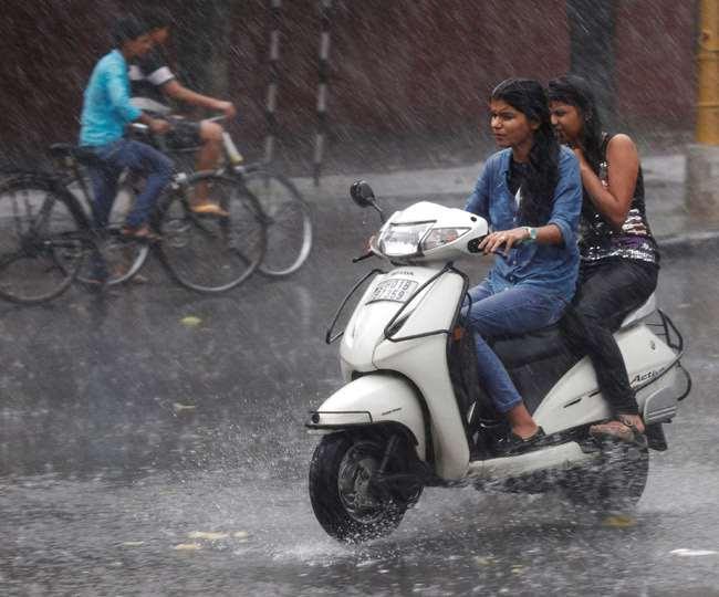 Weather Updates: हिमाचल में यलो अलर्ट, दिल्ली एनसीआर में बारिश के आसार, मध्यप्रदेश में बिजली गिरने की चेतावनी