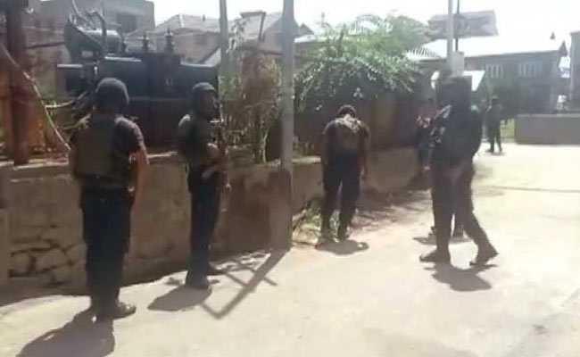 जम्मू-कश्मीर : अनंतनाग में सुरक्षाबलों ने लश्कर के तीन आतंकी मार गिराए