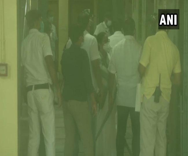 Narada Sting Operation Case: सीबीआइ ने नारद कांड में बंगाल के दो मंत्री समेत चार वरिष्ठ नेताओं को किया गिरफ्तार