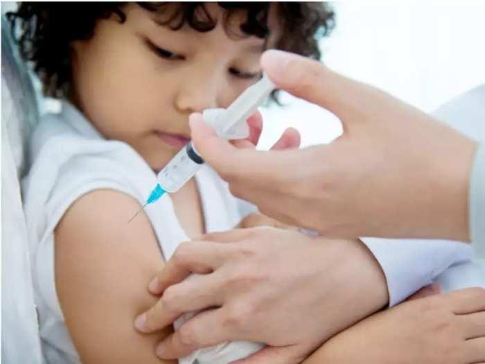 कोरोना: क्या सभी बच्चों का टीकाकरण ज़रूरी है?