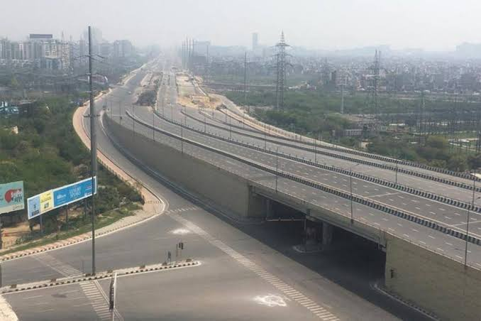 कोरोना से जंग : दिल्ली में अगले एक हफ्ते 'सख्त' लॉकडाउन, अब मेट्रो भी नहीं चलेगी