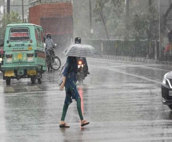 Weather Update: धीमा पड़ा मानसून, उत्तर भारत के कुछ हिस्सों में इंतजार बढ़ा, जानें- दिल्ली में कब होगी बारिश