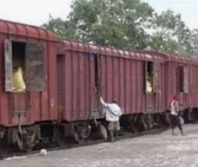 Indian Railways: मालगाड़ी से टकराई बच्ची, जान बचाने को ट्रेन छोड़कर भागा चालक दल, जानें क्या है पूरा मामला
