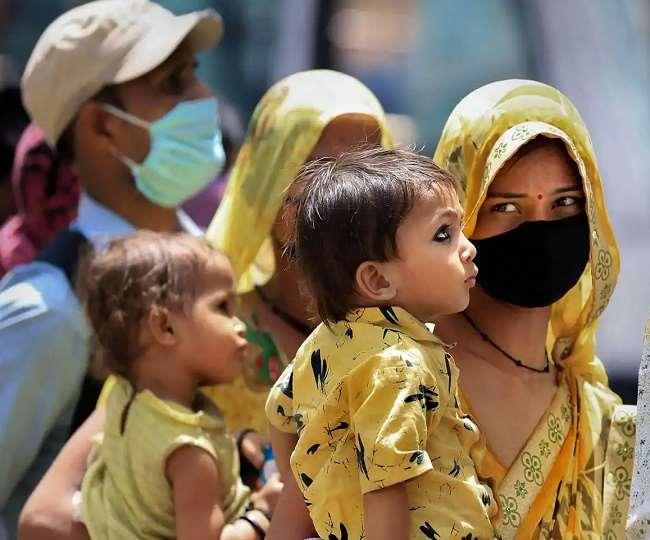उत्तर प्रदेश और असम में दो बच्चे वालों को ही मिलेगी सरकारी सुविधाएं, कानून बनाने में जुटी राज्य सरकारें