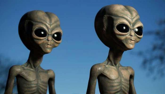 धरती पर 5 हजार साल से नजरें गड़ाए बैठे हैं एलियंस, इंसानों की कर रहे निगरानी!