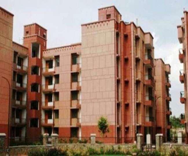 DDA Housing Scheme: दिल्ली में सभी को आवास देने के लिए बना प्लान, लोगों को बड़ा तोहफा देने की तैयारी में मोदी सरकार