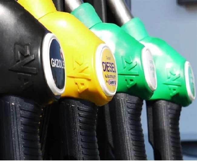 Petrol Diesel Rate: दस दिन में सातवीं बार बढ़ी तेल की कीमतें, दिल्ली में 100 रुपये के पार पहुंचा पेट्रोल