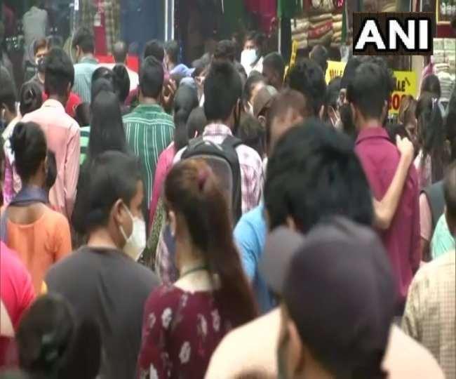 दिल्ली में सरोजनी नगर की एक्सपोर्ट मार्केट अगले आदेश तक के लिए बंद, कोविड नियमों के उल्लंघन का आरोप