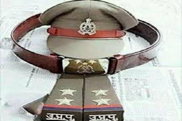 Delhi Crime News: गर्लफ्रेंड को इंप्रेस करने लिए बना यूपी पुलिस का नकली दरोगा, फिर ऐसे खुली पोल