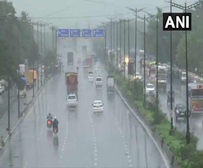 Weather Update: दिल्ली, यूपी, बिहार सहित इन राज्यों में भारी बारिश की चेतावनी, जानें मौसम की ताजा जानकारी