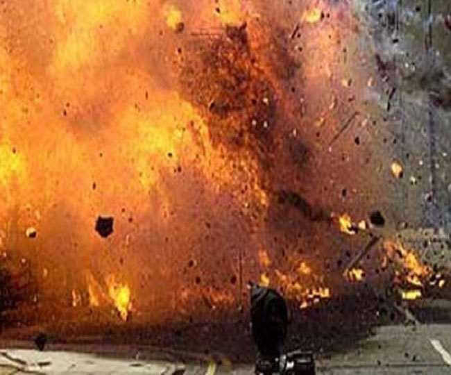 पाकिस्तान के कराची में हुआ ग्रेनेड हमला, चार बच्चों सहित 10 की मौत और कई हुए घायल