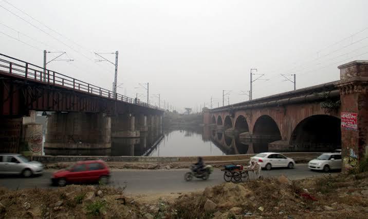 गाजियाबाद शहर से दिल्ली जाने वालों का बचेगा समय, हिंडन पुल निर्माण का काम शुरू