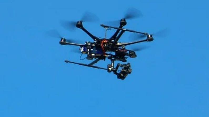 जम्मू-कश्मीर: अरनिया सेक्टर में दिखा ड्रोन, पाकिस्तान द्वारा भेजे जाने का शक, तलाश में जुटे सुरक्षाबल