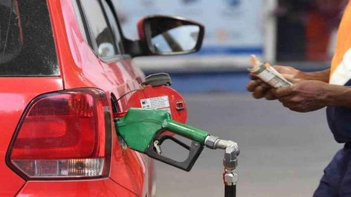 Petrol Price Today: पेट्रोल-डीजल के दाम में आज कितनी हुई कटौती, फटाफट करें चेक?