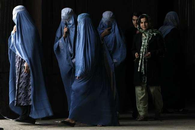तालिबान शासन में महिलाएं पहनेंगी हिजाब, कहा- हमारी संस्कृति में दखल न दे US, हम नहीं बदलेंगे विचार
