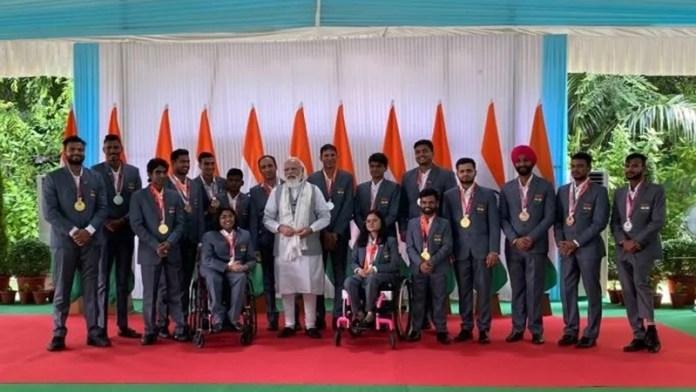 19 पदक जीतकर इतिहास रचने वाले पैरालिंपियंस के सम्मान में पीएम मोदी ने आयोजित की पार्टी: गदगद नजर आए भारतीय खिलाड़ी