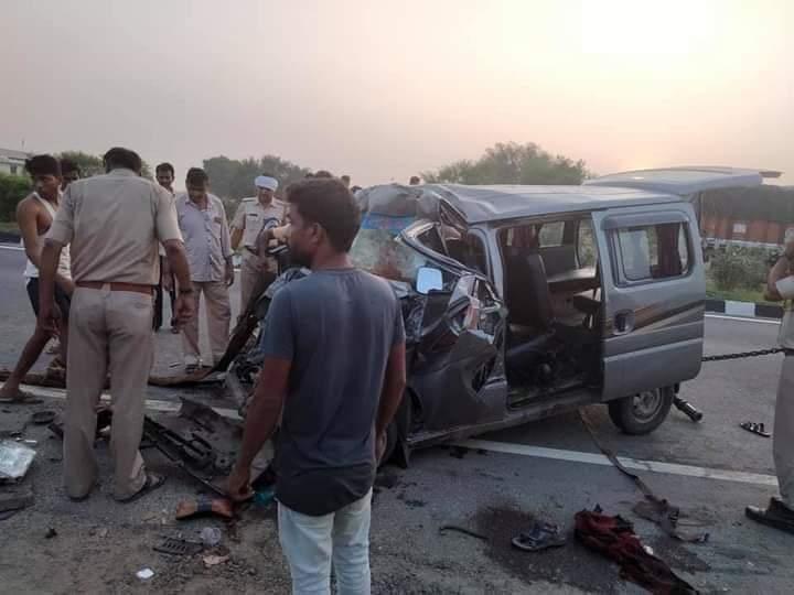 परीक्षा देने जा रहे छात्र सड़क हादसे का शिकार, छह लोगों की मौत